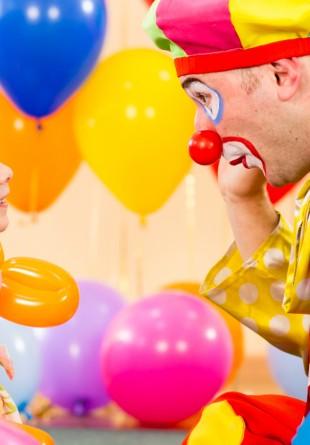 EVENIMENT: Te invităm la un weekend de distracție cu magie, trucuri și clovni!