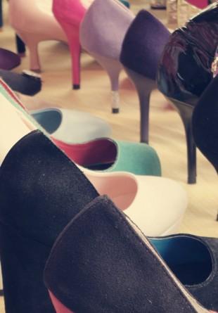 Aliss în Ţara Pantofilor
