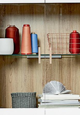 Idei de depozitare pentru bucătărie și dining: vitrine