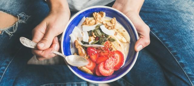 3-alimente-care-stimuleaza-creierul