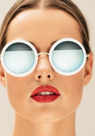 Toamna, mai purtăm ochelari de soare? Desigur!